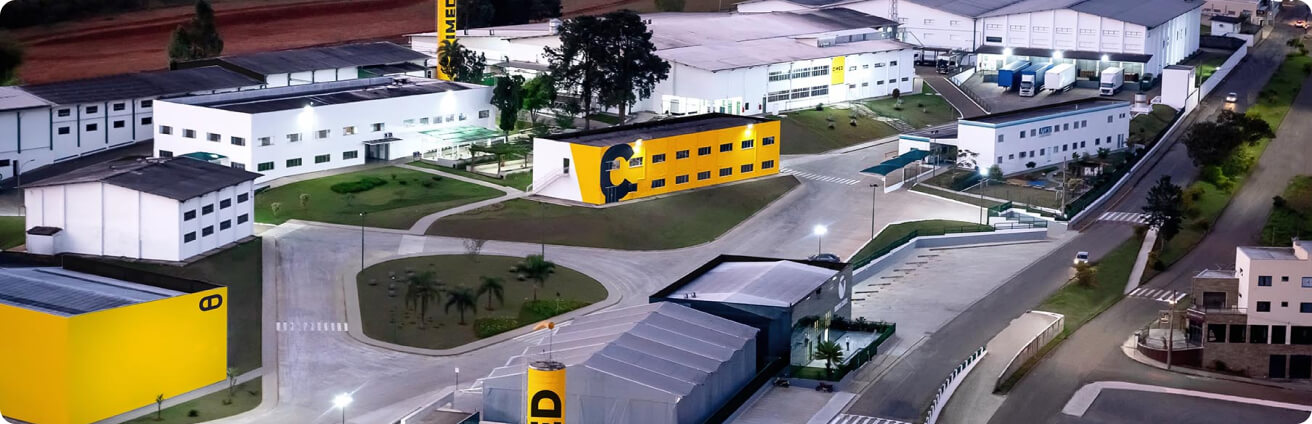 Imagem da fábrica da Cimed.