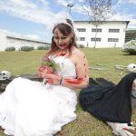 Foto de mulher com fantasia de Halloween.