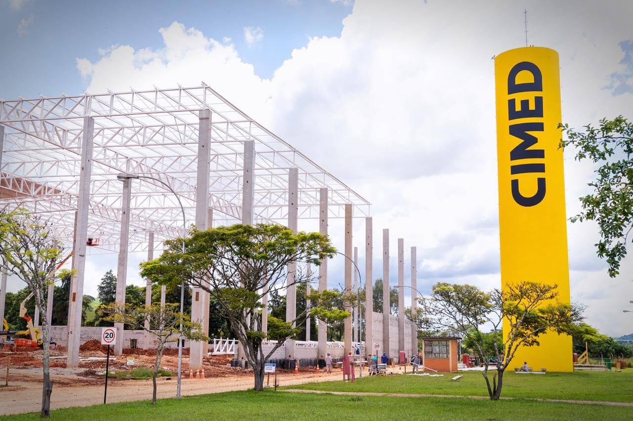 Imagem de fábrica da Cimed.