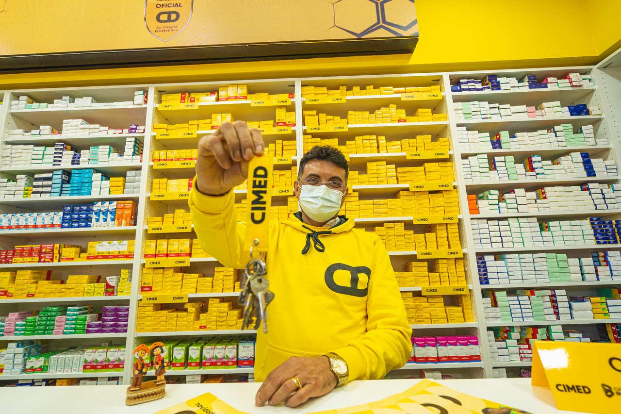 Renove sua Farmácia entrega sua primeira reforma. Assista o vídeo completo!